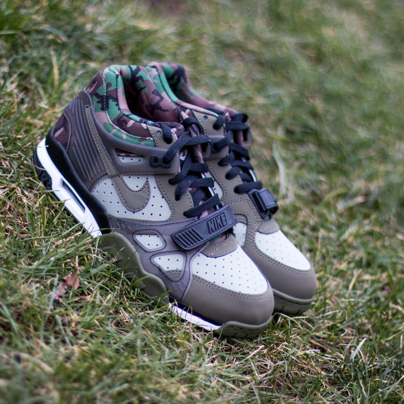 new product ff883 1d4bd Nike Air Trainer 3 Jade StoneMedium Olive