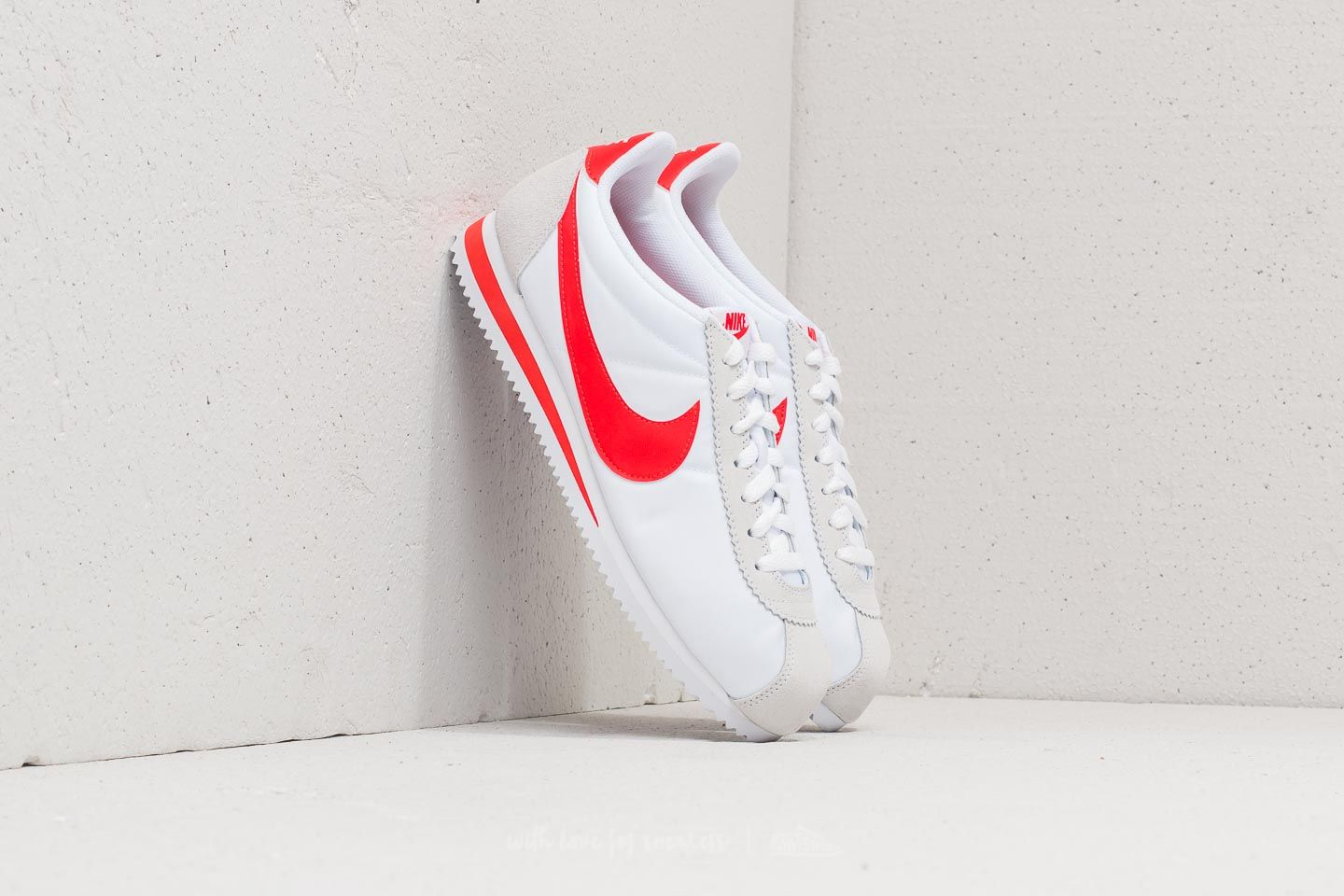 sports shoes 7390e 1c3c6 Nike Classic Cortez Nylon White Habanero Red at a great price 81 € buy at