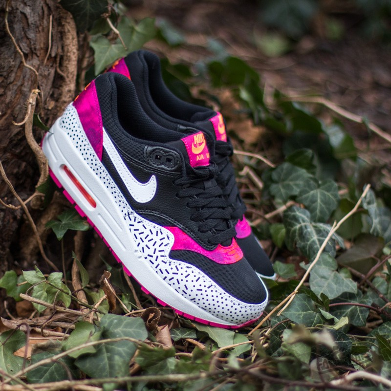 best website bde24 917af Nike Wmns Air Max 1 Print Black White-Fireberry
