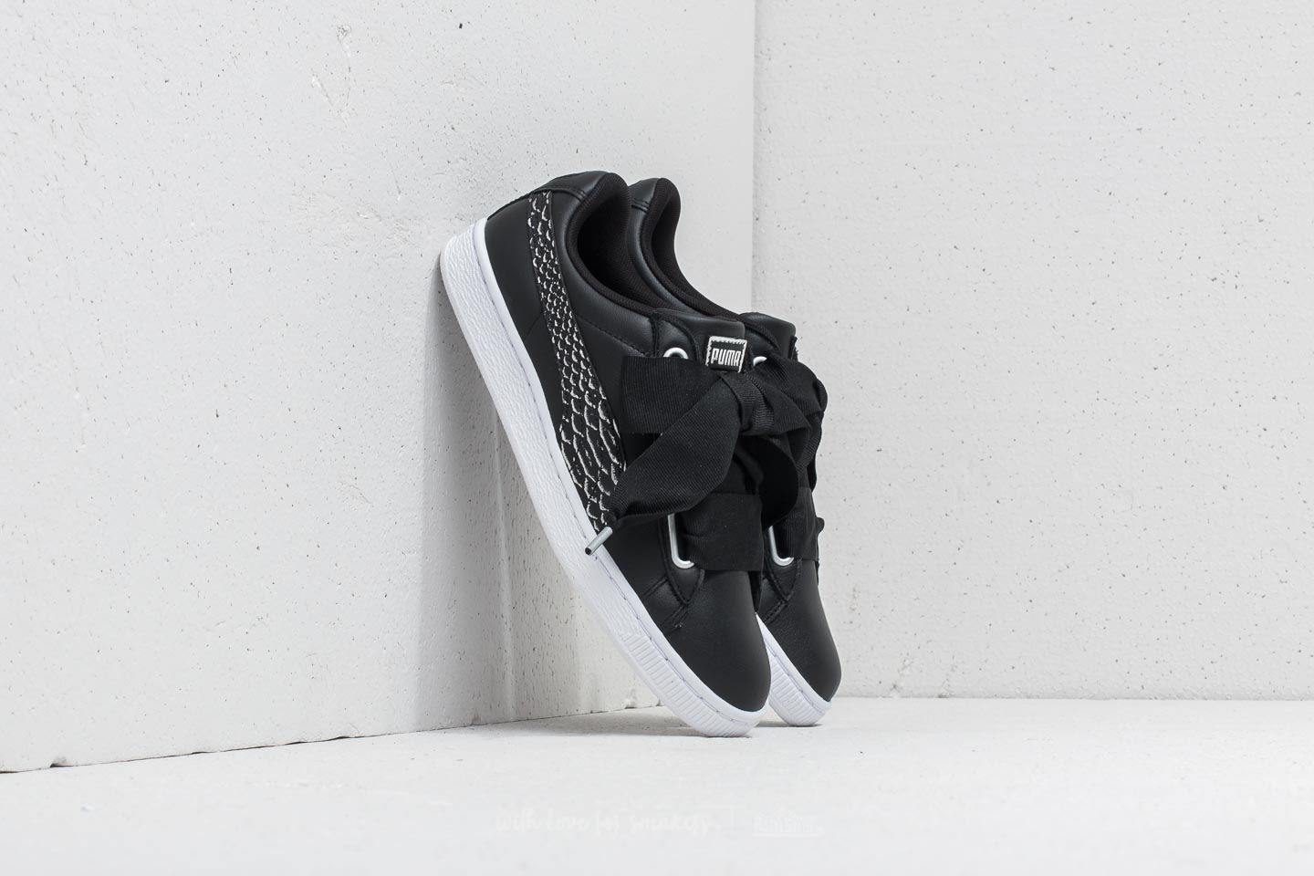798cbc0174 Puma Basket Heart Oceanaire Wn s Puma Black  Puma White at a great price 48  €
