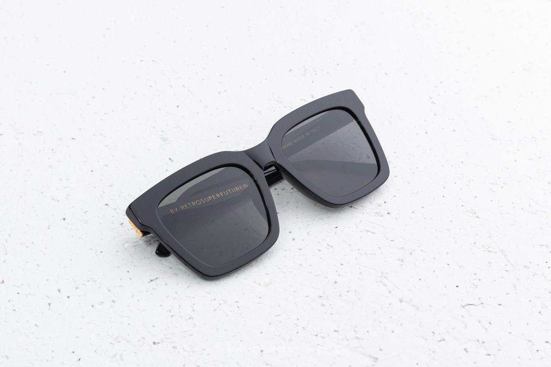 RETROSUPERFUTURE Aalto Sunglasses Black za skvelú cenu 139 € kúpite na Footshop.sk
