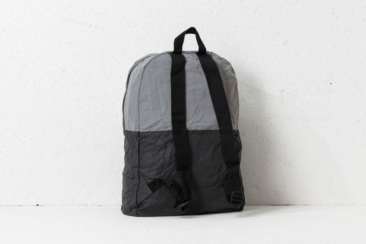 001ebe6b12b6 Herschel Supply Co. Packable Daypack Silver  Black Reflective at a great  price 25 €