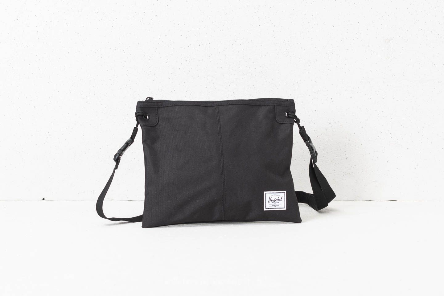 cb8ccfb28948 Herschel Supply Co. Alder Crossbody Black | Footshop