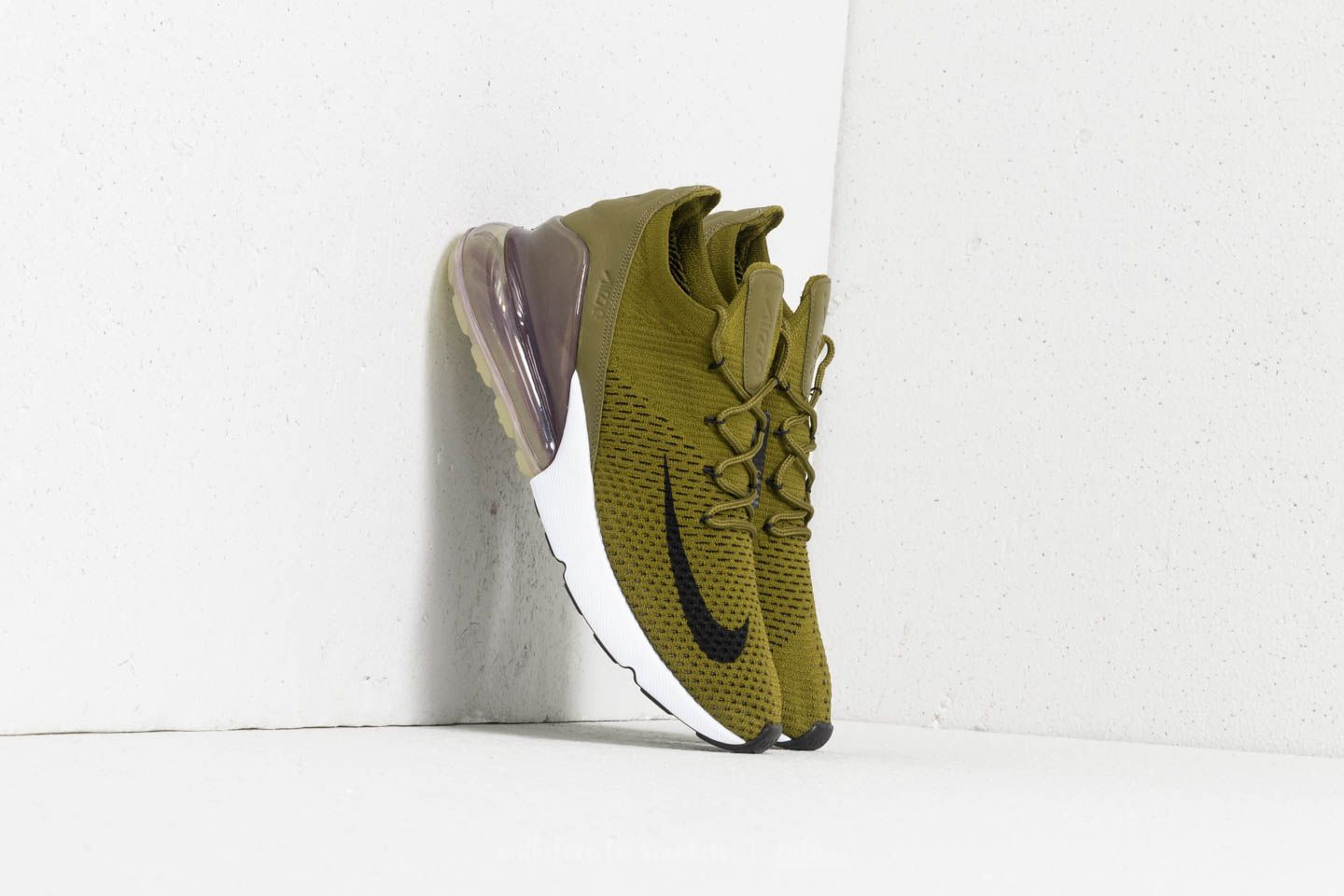 best sneakers 07f57 9ad04 Nike Air Max 270 Flyknit