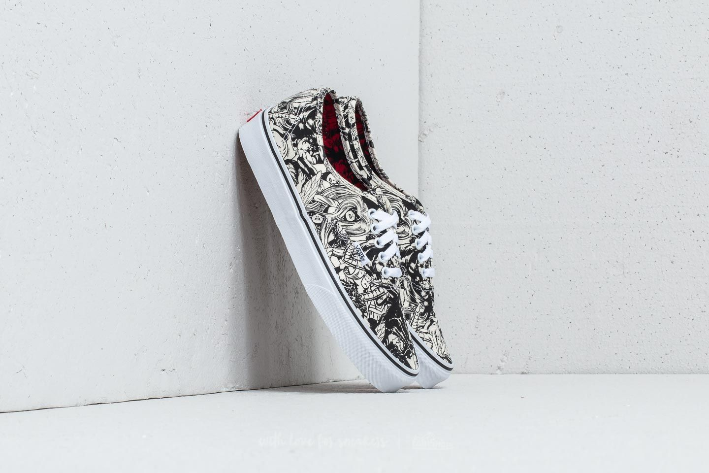 Vans Authentic (Marvel) Multi  Women  7f8665fc15e