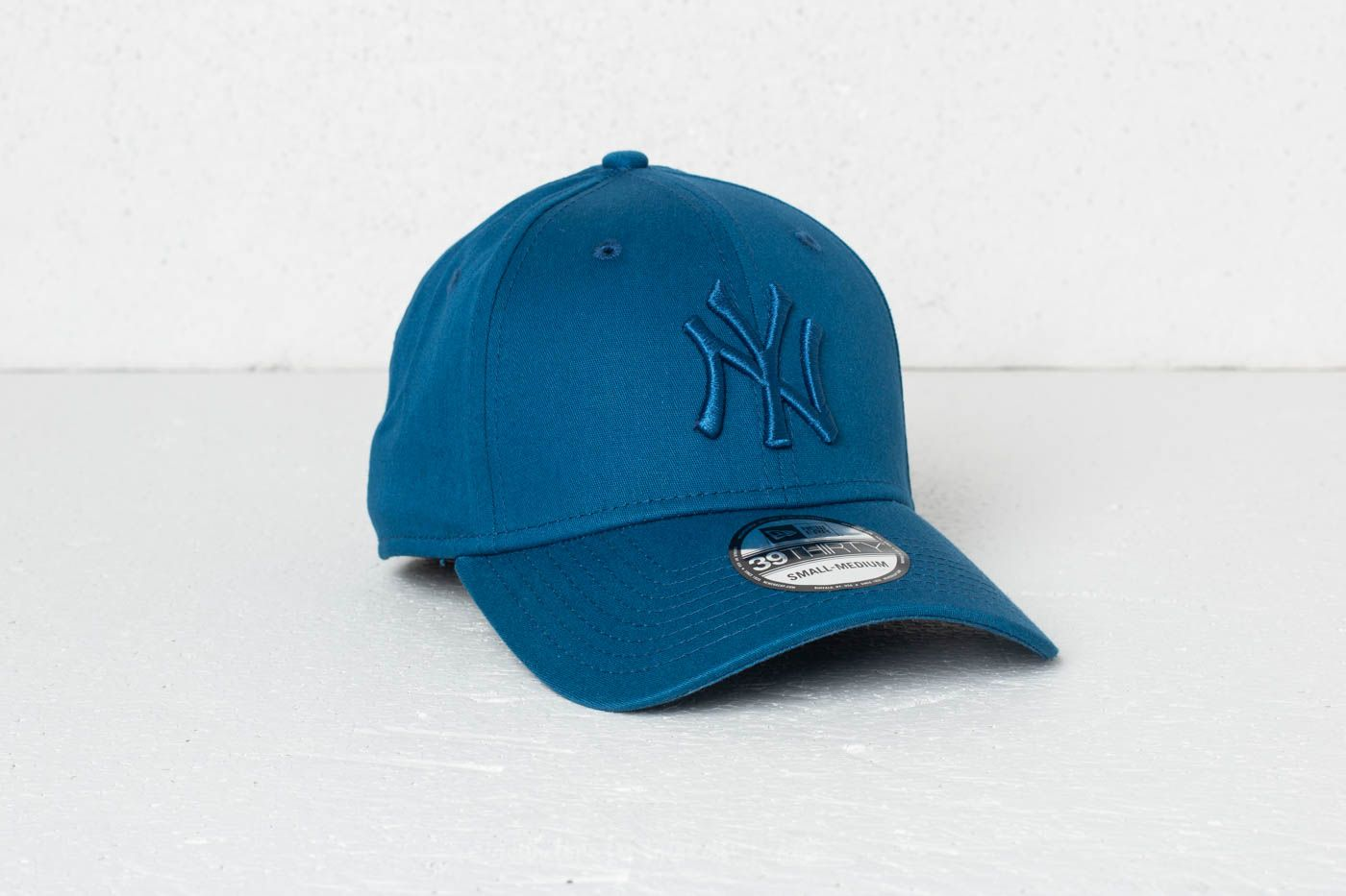 New Era 39Thirty MLB League Essential New York Yankees Cap Blue