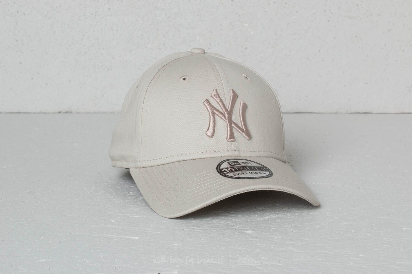 New Era 39Thirty MLB League Essential New York Yankees Cap