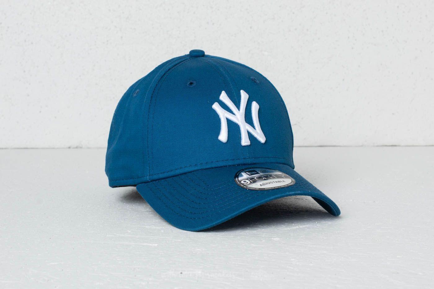 New Era 9Forty MLB League Essential New York Yankees Cap Blue  White e762fddbaf