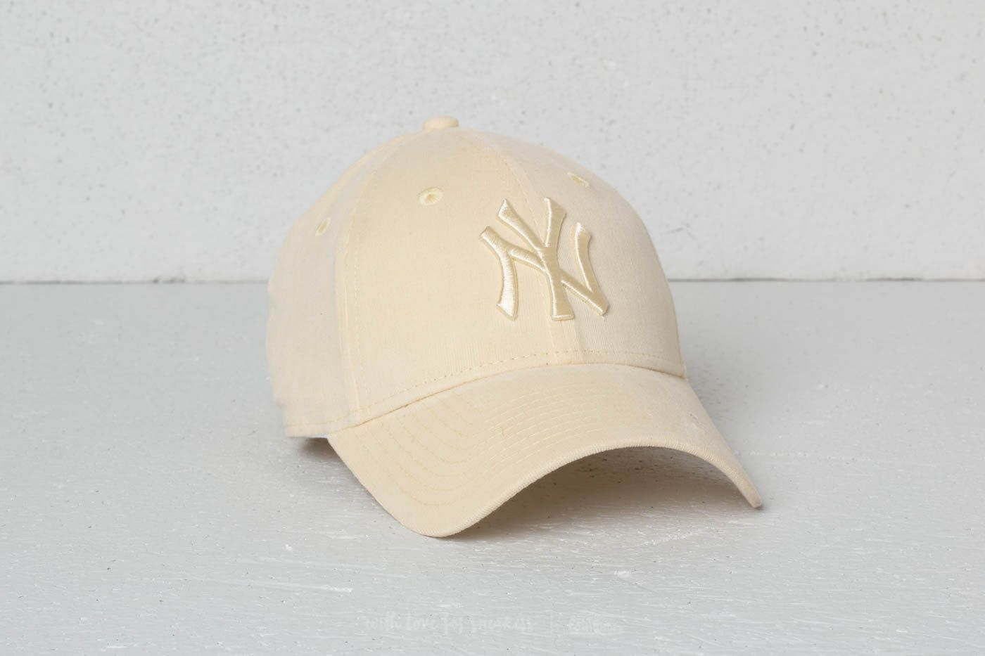 New Era 9Forty Women MLB Micro Cord New York Yankees Cap Pastel Yellow at a  great 4a0556c75