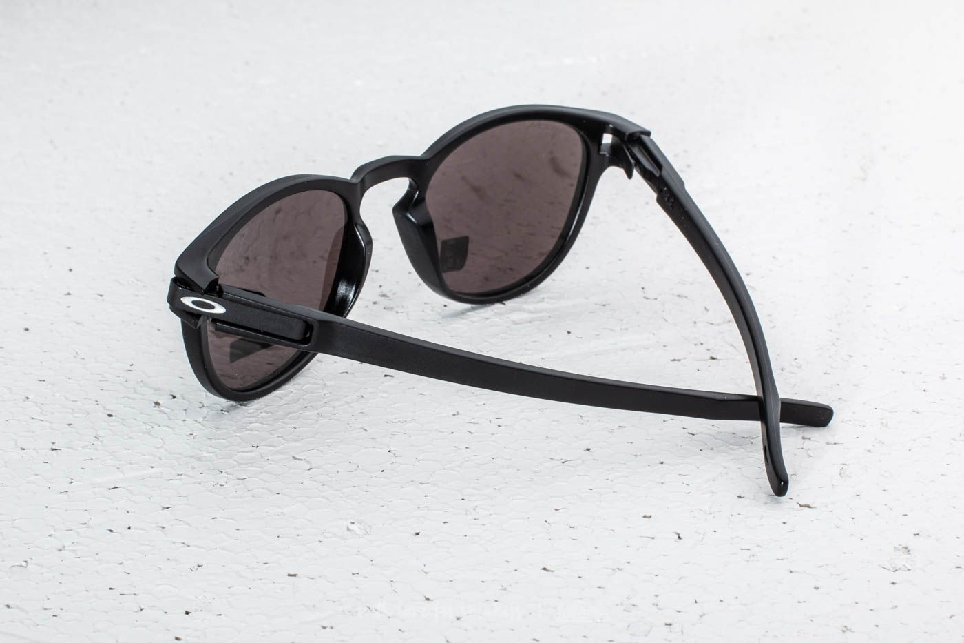 Oakley Latch Matte Black  Prizm Black Iridium at a great price 88 € buy at ecacac8dd99