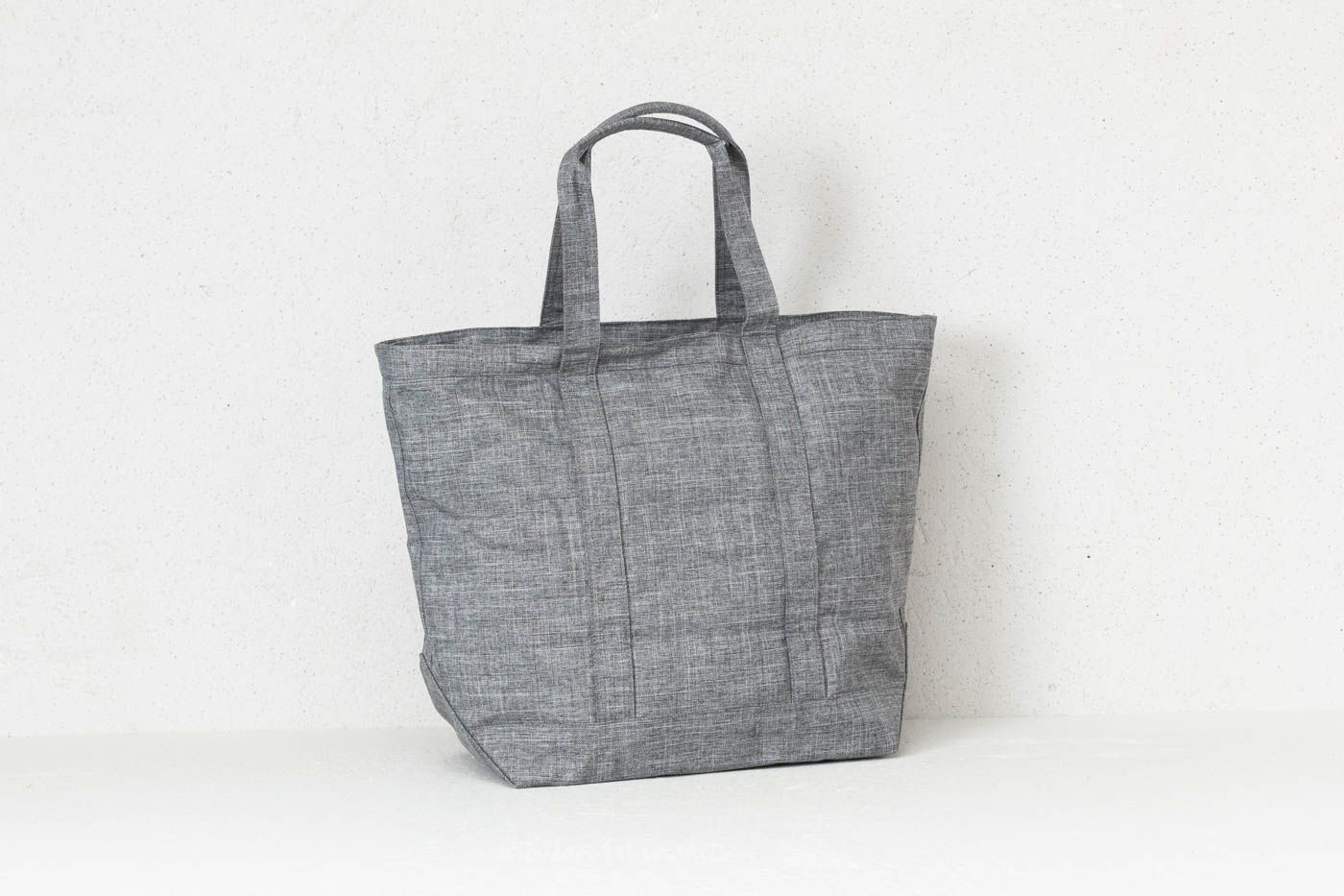 2a57fee7ebc0 Herschel Supply Co. Bamfield Mid-Volume Tote Raven Crosshatch at a great  price £