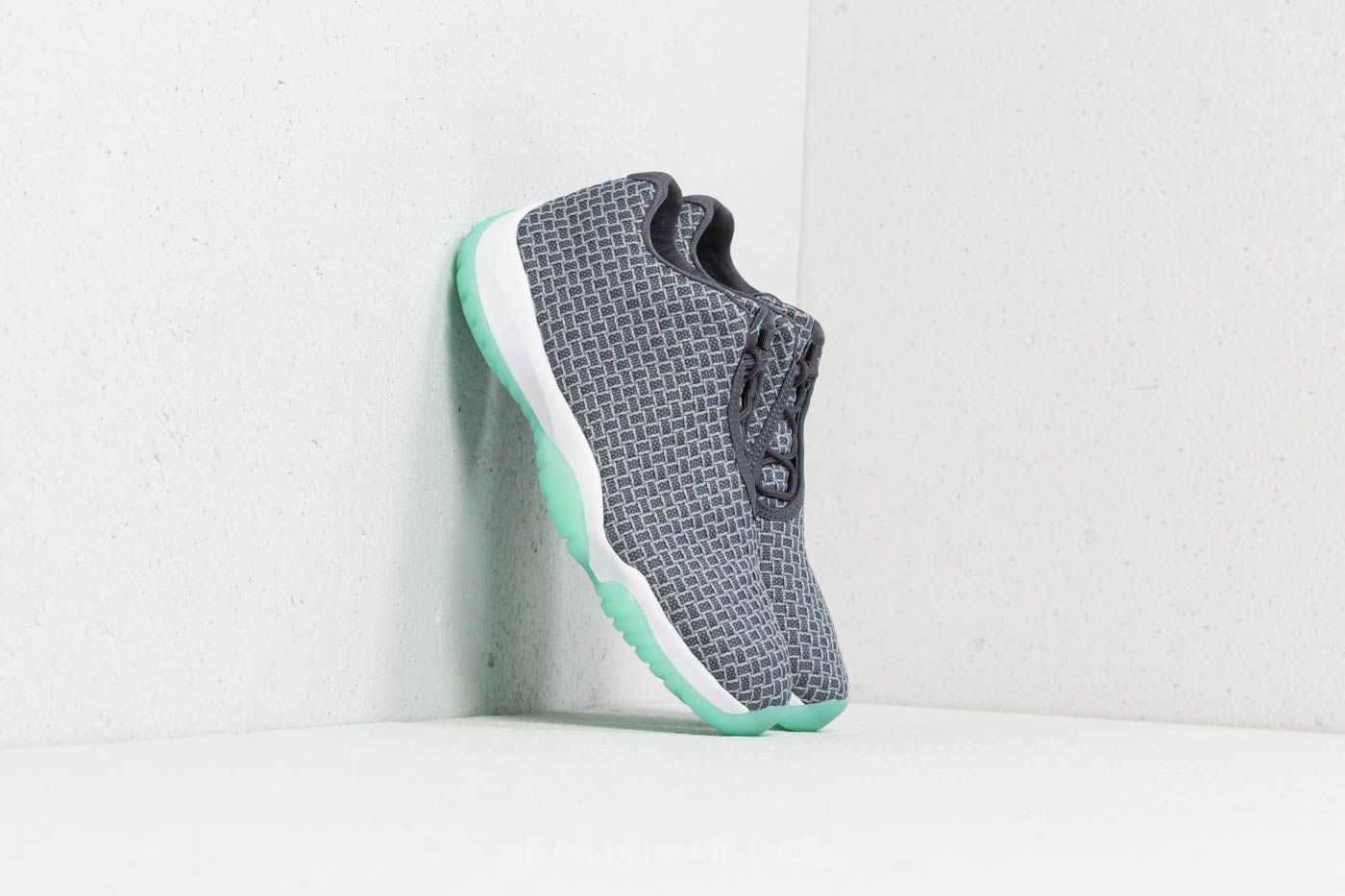 newest bfe62 70627 Air Jordan Future Low Wolf Grey  Emerald Rise at a great price £105 buy