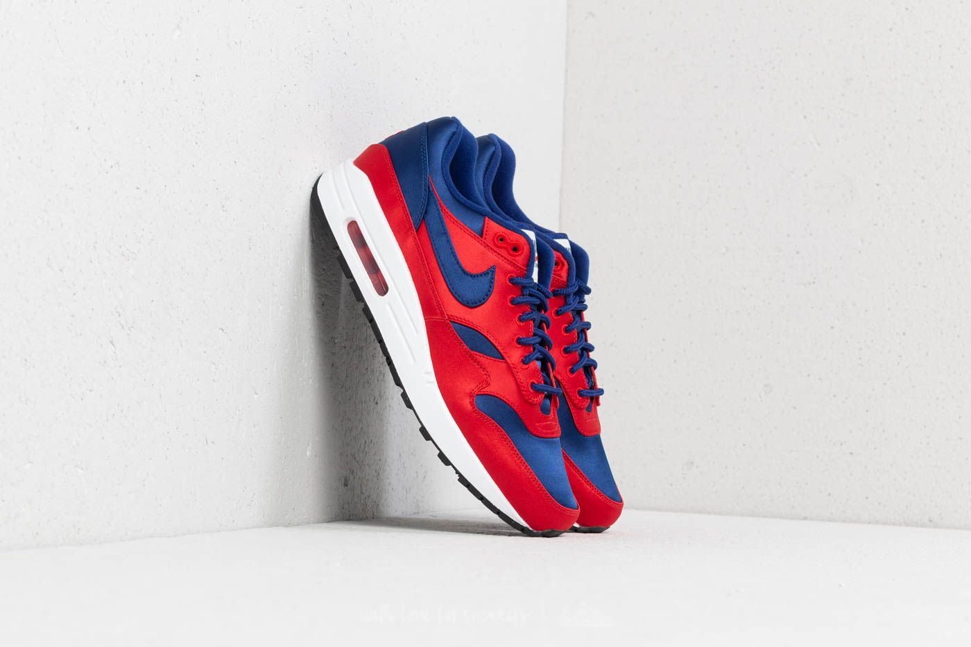 promo code faaad 9d2c5 Nike Air Max 1 SE University Red  Deep Royal Blue at a great price £