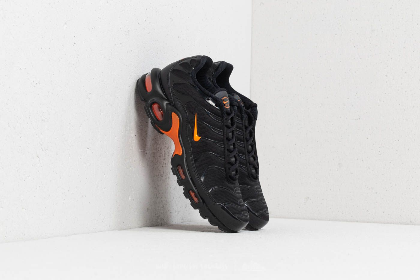 air max plus tn noir orange