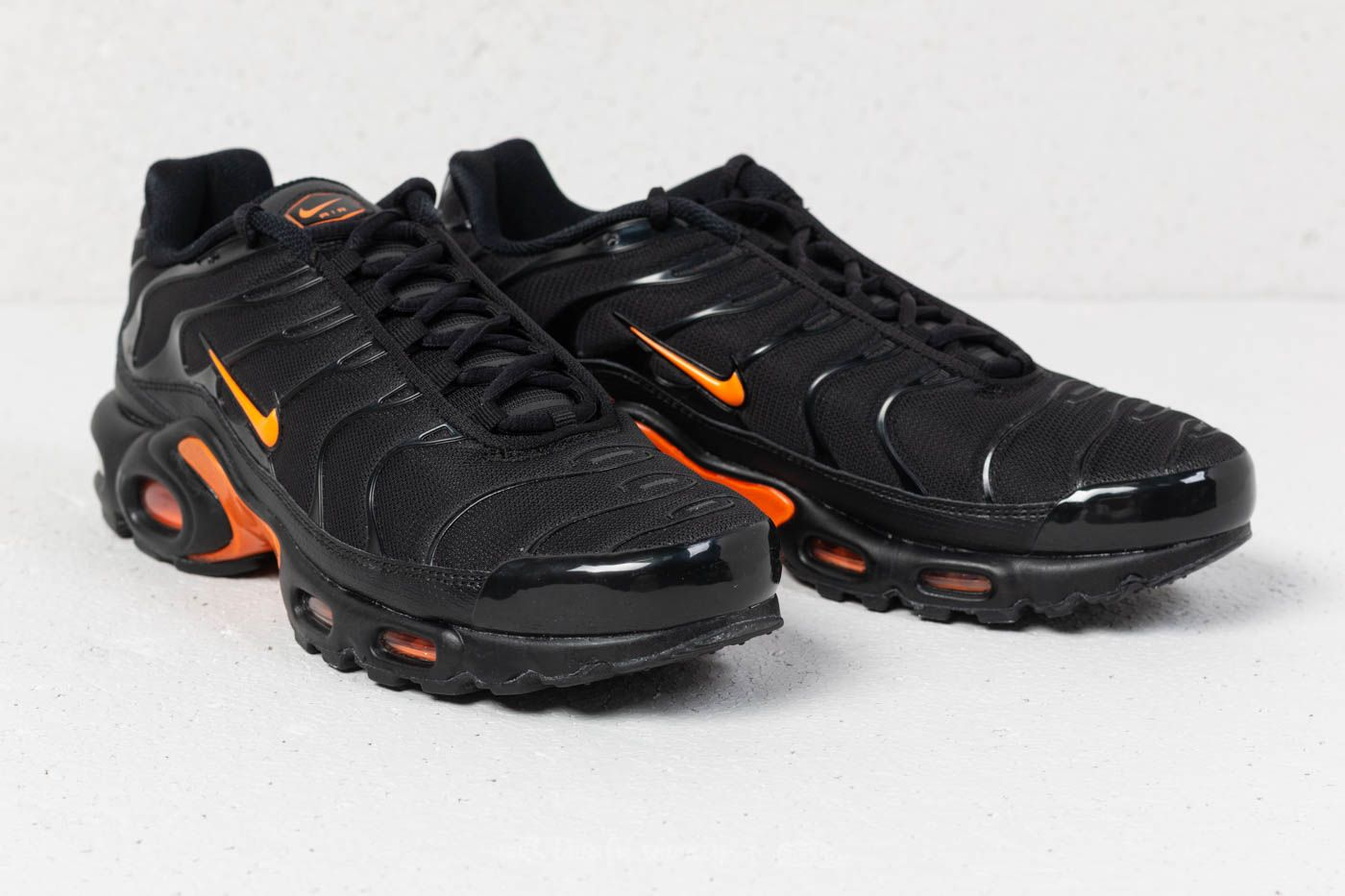 on sale eee4b acbd9 Nike Air Max Plus TN SE Black/ Total Orange | Footshop