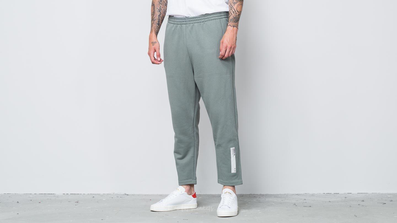 adidas NMD Sweatpant Stone Green za skvělou cenu 1 460 Kč koupíte na Footshop.cz