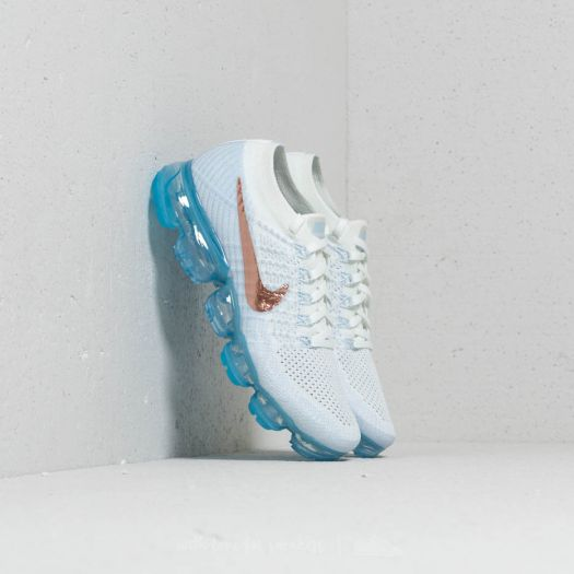 newest collection a6e27 c69fc Nike Wmns Air Vapormax Flyknit Summit White/ Metallic Red ...
