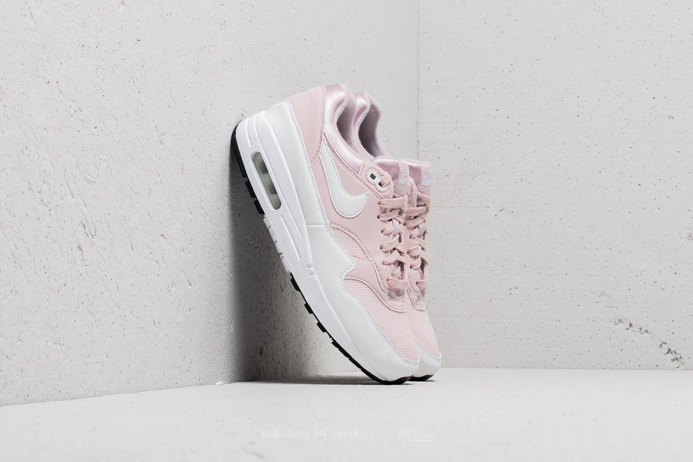 Nike Wmns Air Max 1 Barely Rose/ White za skvělou cenu 2 590 Kč koupíte na Footshop.cz