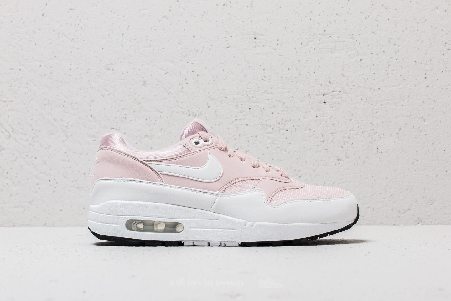 reputable site 46968 3001d Nike Wmns Air Max 1 Barely Rose  White at a great price 96 € buy