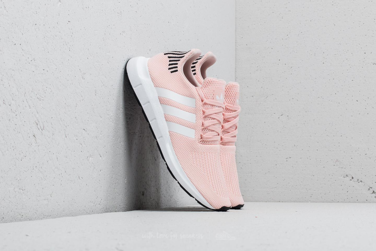 adidas Swift Run W Icey Pink/ Ftw White/ Core Black