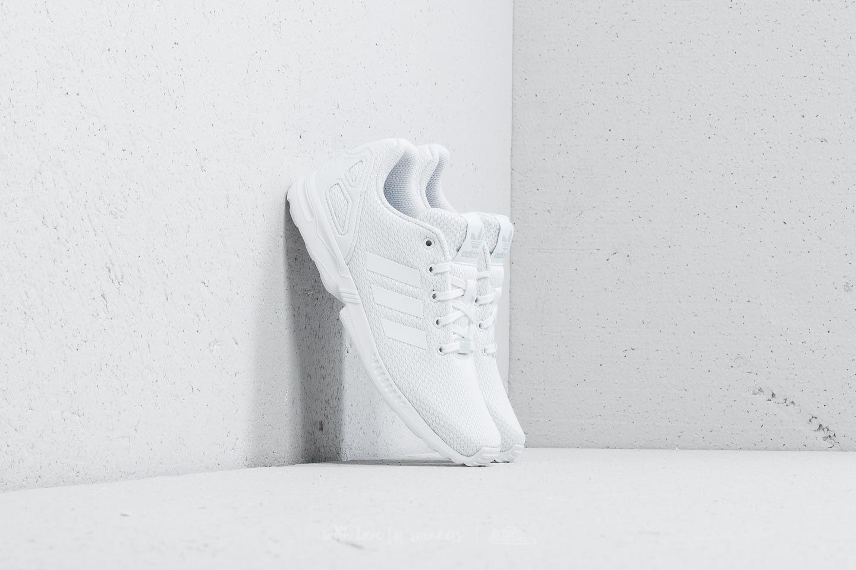 adidas ZX Flux C Ftw White/ Ftw White/ Ftw White za skvělou cenu 780 Kč koupíte na Footshop.cz