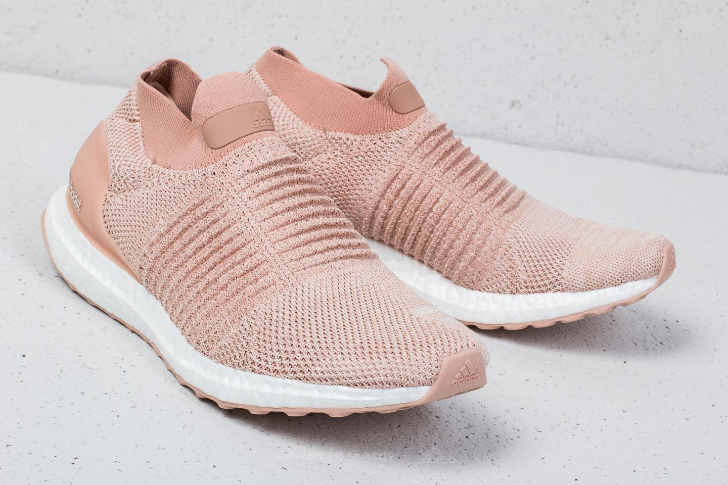 shoes adidas UltraBOOST Laceless W