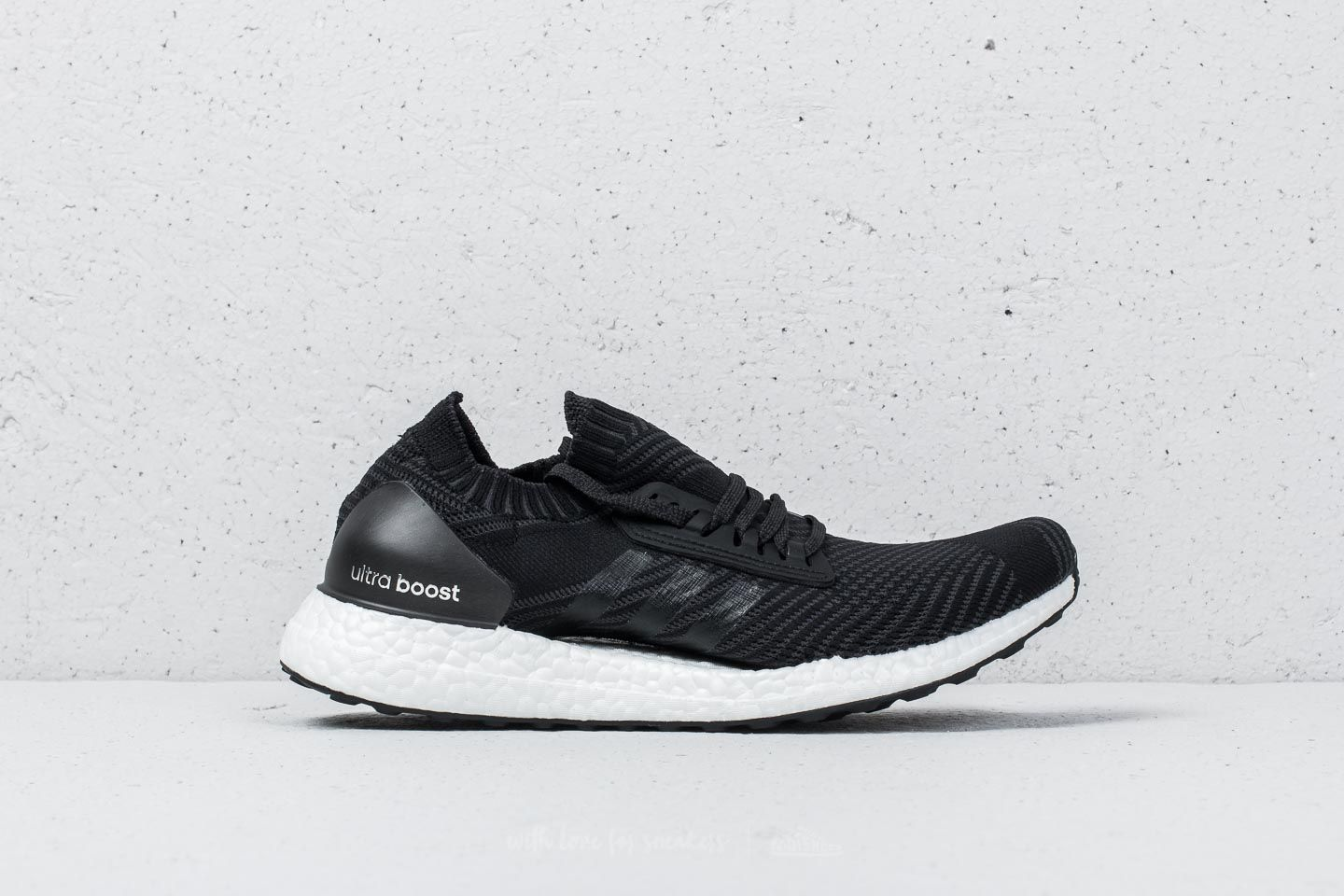 buy popular 28e26 7fa85 adidas UltraBOOST X Core Black Core Black Carbon at a great price 144 €