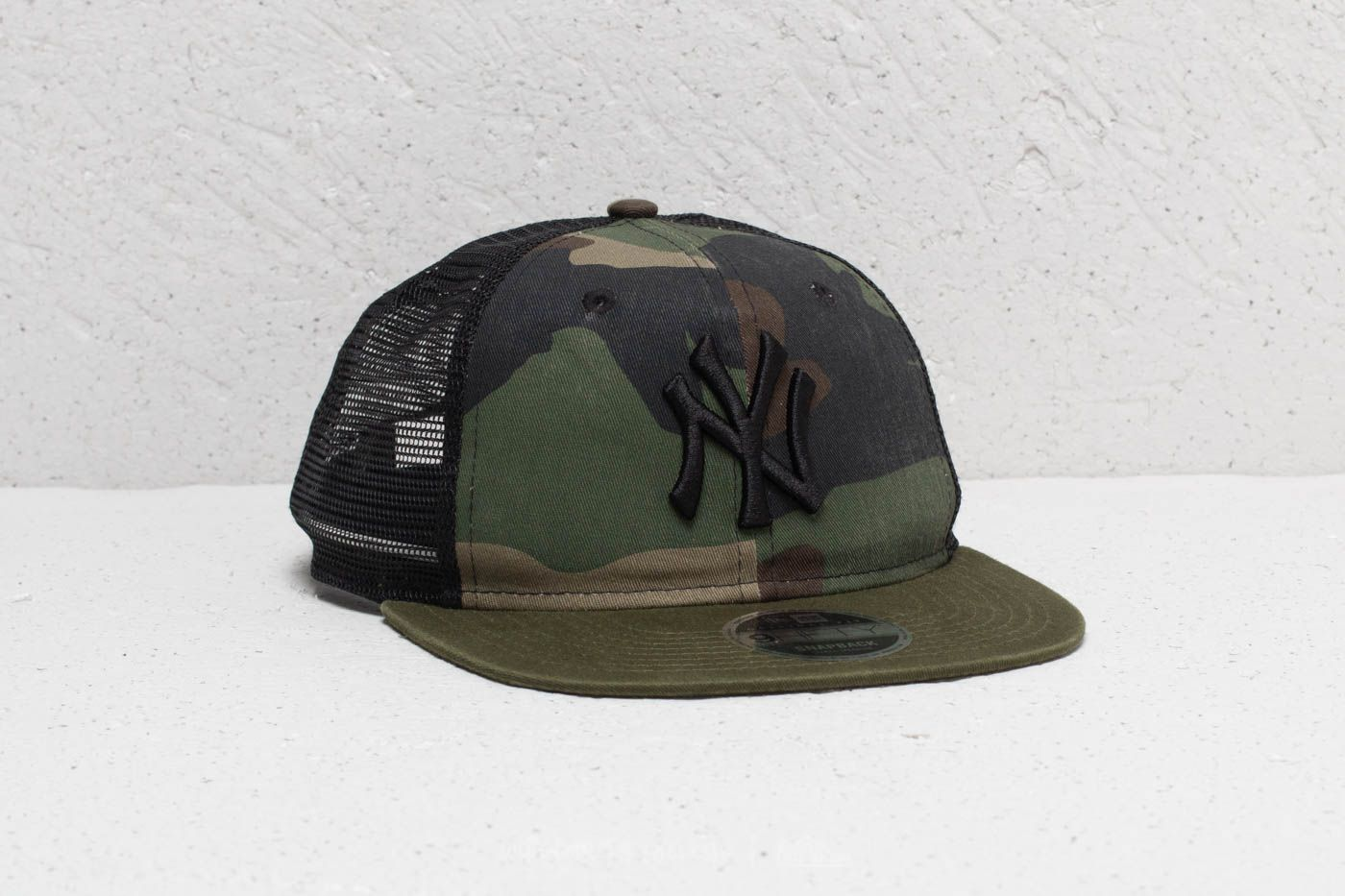 d4f61e71241 New Era 9Fifty MLB New York Yankees Trucker Washed Camo at a great price 21  €