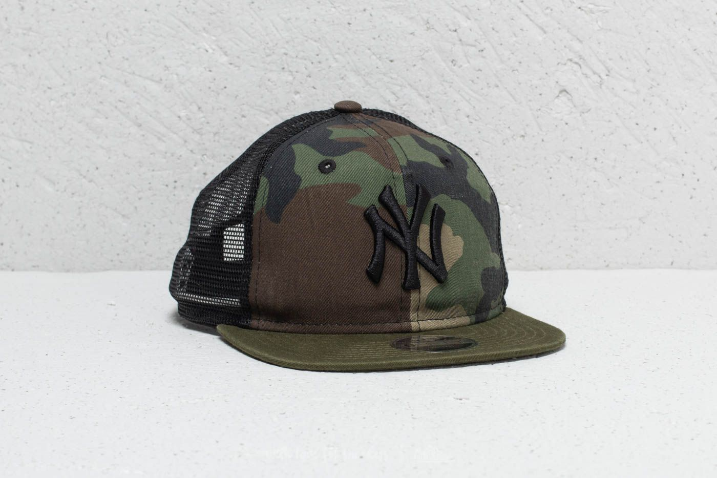 97f95f39c2783 New Era 9Fifty Youth MLB New York Yankees Trucker Washed Camo ...