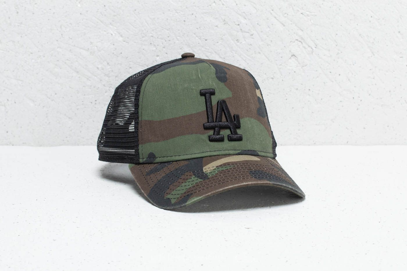 New Era 9Forty MLB Los Angeles Dodgers Trucker Washed Camo at a great price  20 € e0936725aa
