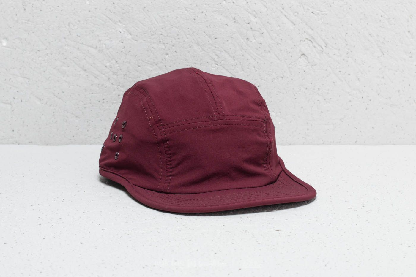 ec01954be4a Hadrian Holtz Hotel Hotel Tech Cap Burgundy at a great price 16 € buy at  Footshop