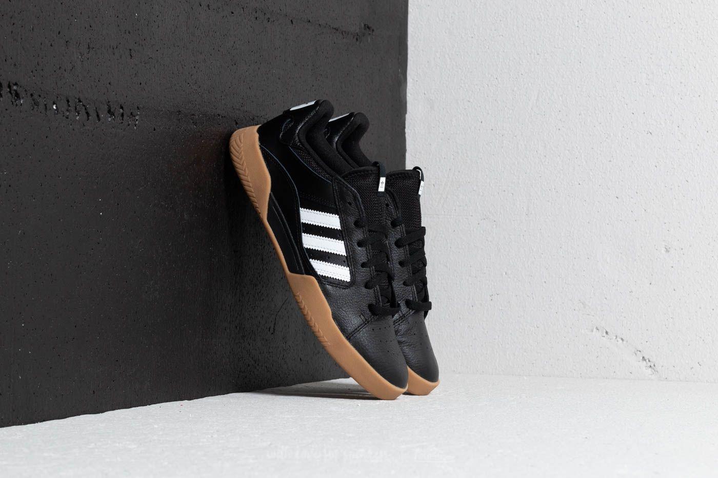adidas VRX Low Core Black/ Ftw White/ Gum 4 za skvělou cenu 1 713 Kč koupíte na Footshop.cz