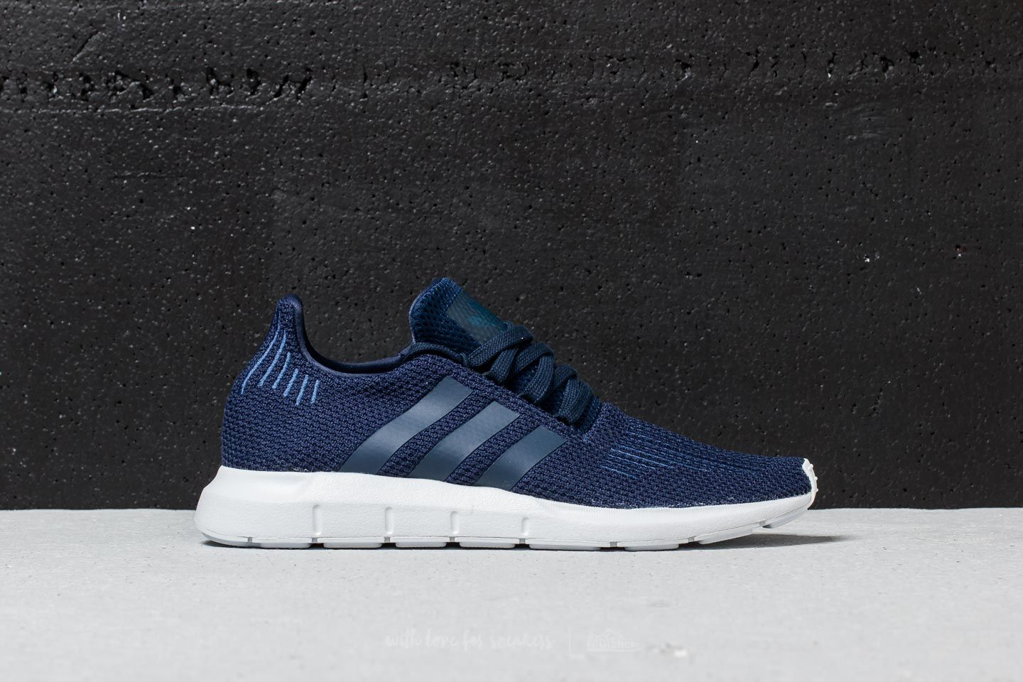 70ff52ec2b85 adidas Swift Run Collegiate Navy  Collegiate Navy  Ftw White at a great  price 67