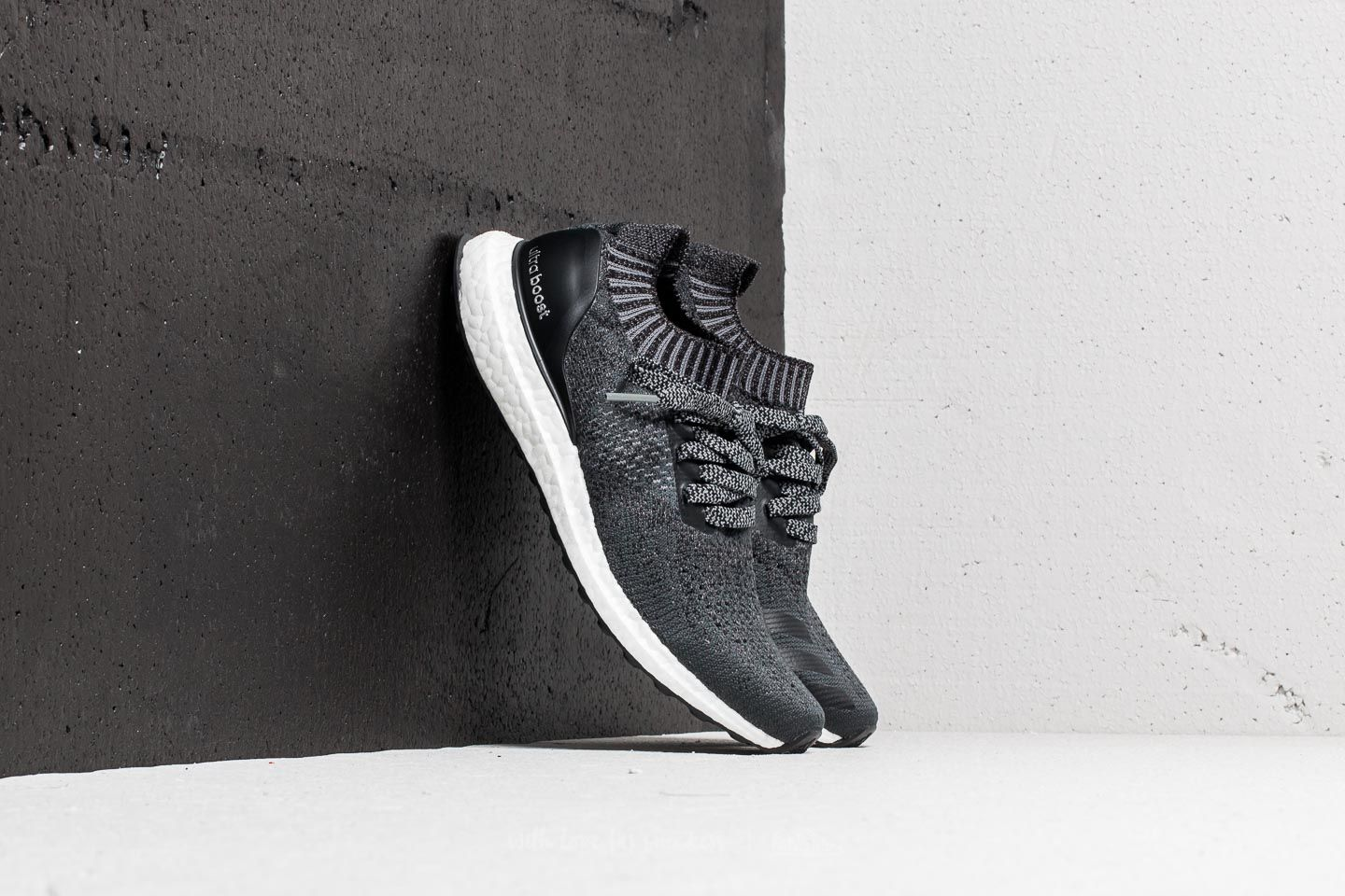 adidas UltraBOOST Uncaged W Carbon/ Core Black/ Grey Four