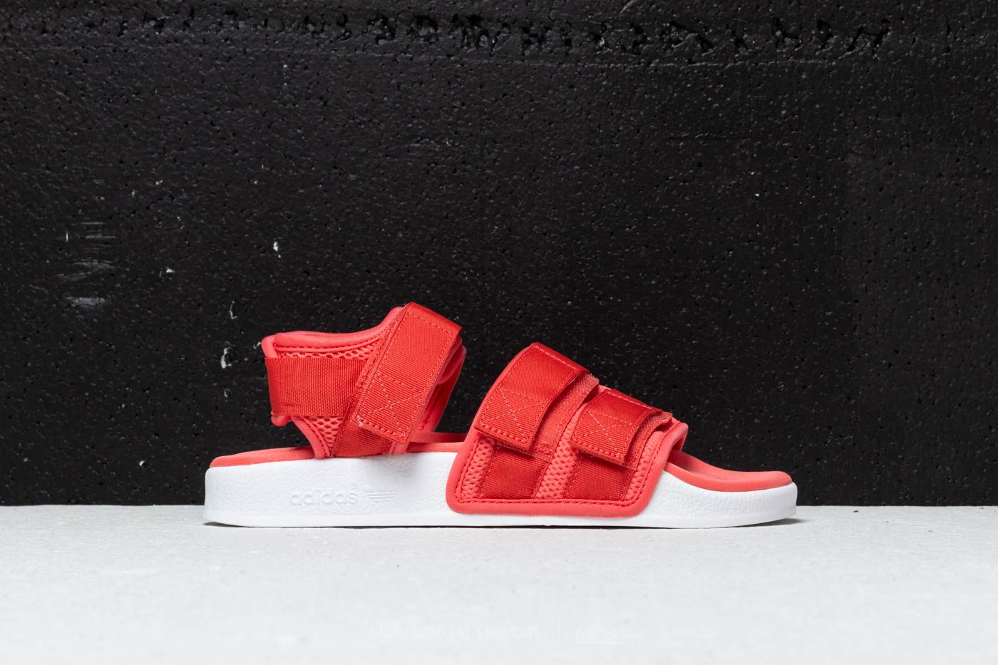 35c36cf9805e adidas Adilette Sandal 2.0 W Trace Scarlet  Ftw White  Ftw White at a great