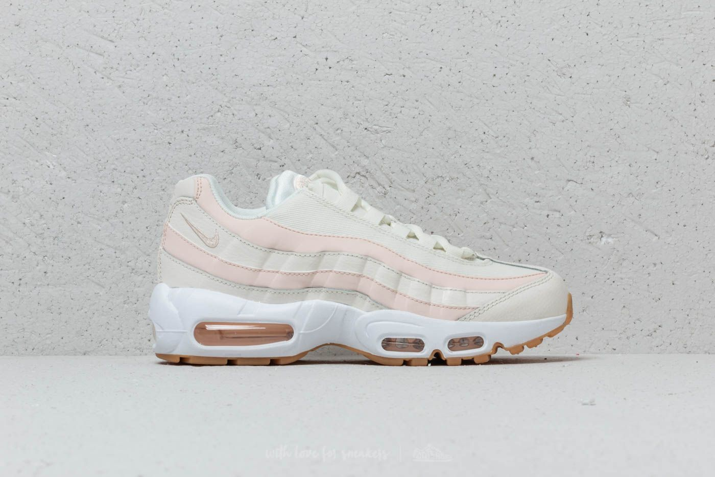 Nike Wmns Air Max 95 Sail  Guava Ice-Gum Light Brown at a great 2a75ef65a