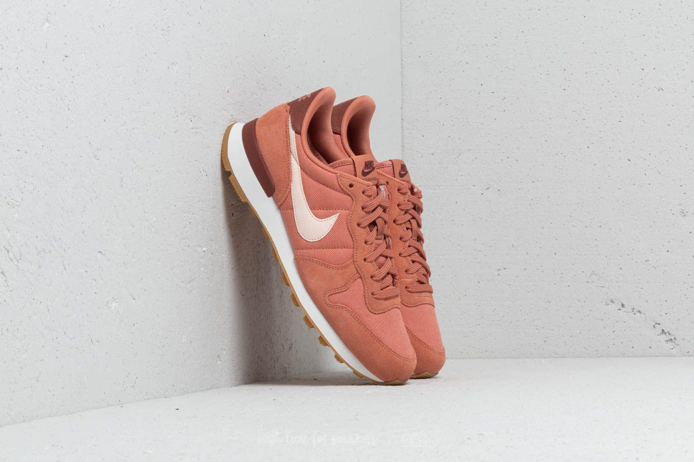 Nike Wmns Internationalist Terra Blush/ Guava Ice za skvělou cenu 2 390 Kč koupíte na Footshop.cz