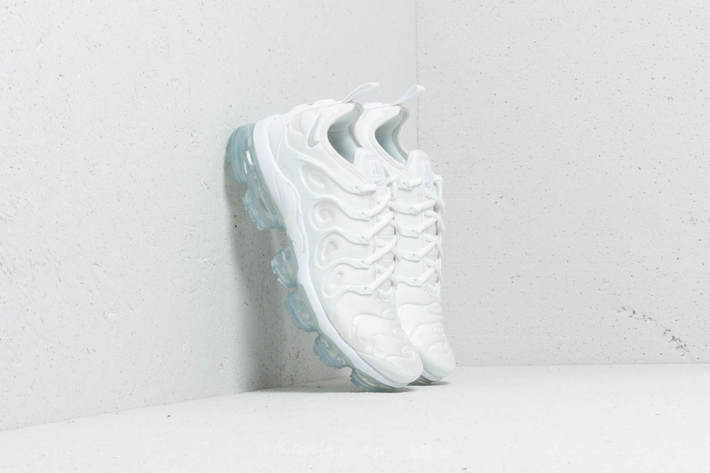 quality design be3e1 86957 Nike Air Vapormax Plus White  White-Pure Platinum at a great price 209 €