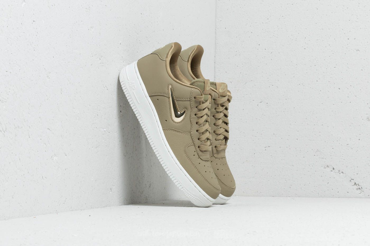 Nike Wmns Air Force 1 '07 Premium LX Neutral Olive Metallic