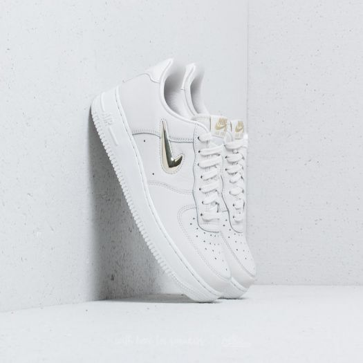 nike wmns air force 1 07 gold