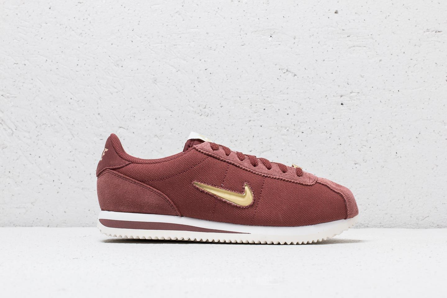 newest ae189 b6743 Nike Cortez Basic Jewel ´18 WMNS Red Sepia  Metalic Gold Star at a great