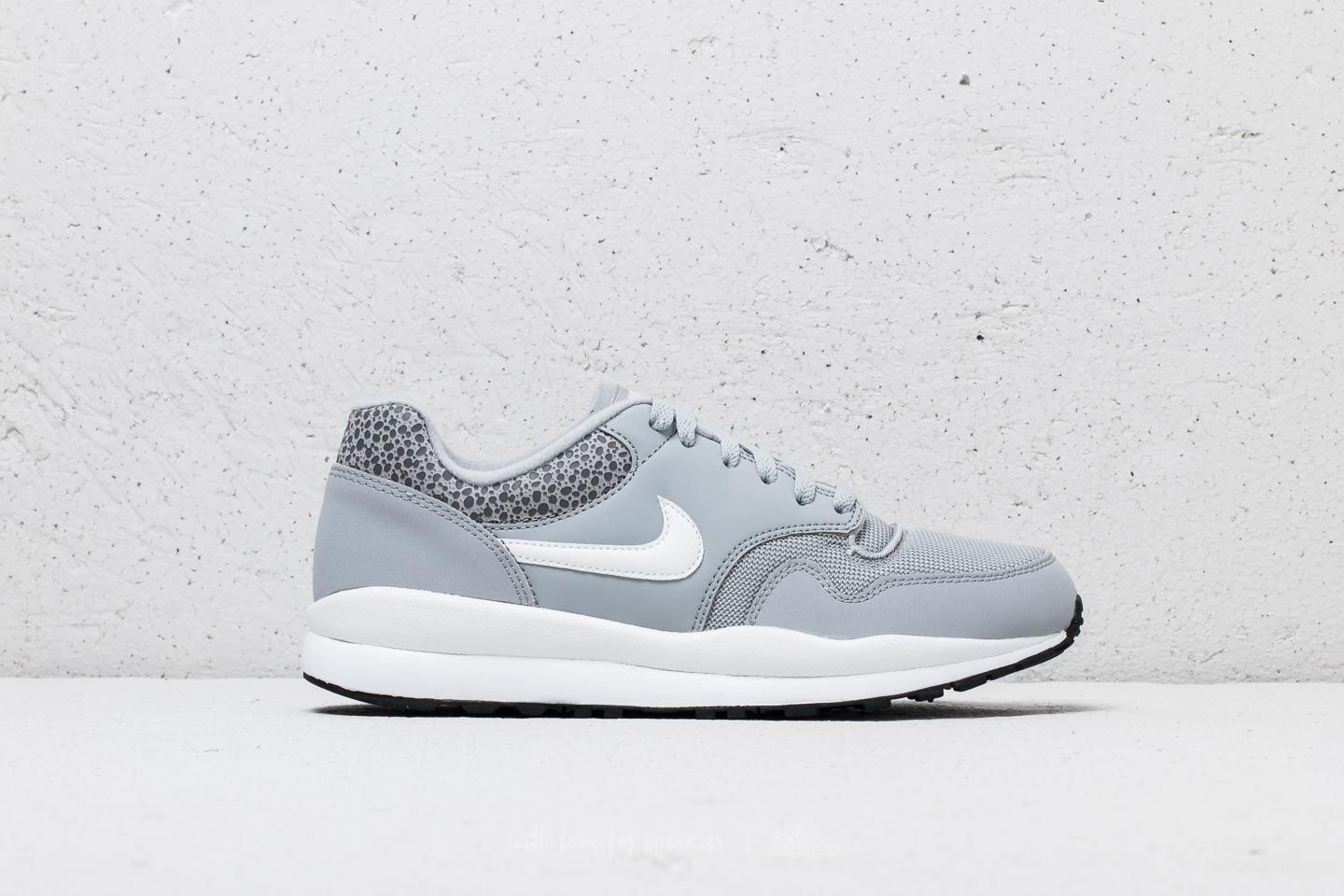 f953126d5711 Nike Air Safari Wolf Grey  White-Black at a great price £61 buy