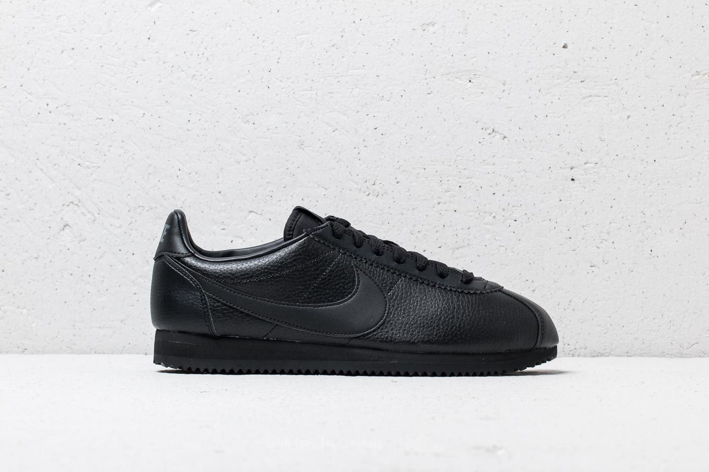 beecc458 Nike Classic Cortez Leather Black/ Black-Anthracite at a great price 2 680  ГРН