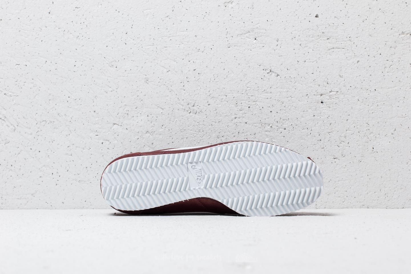 d490eeffd2c Nike Wmns Classic Cortez Nylon Red Sepia  White at a great price £70 buy