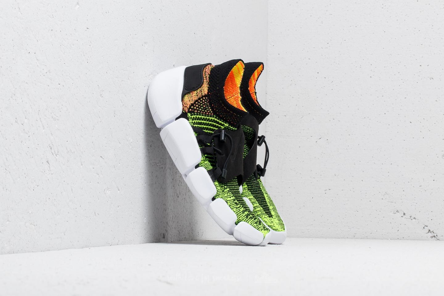 6c42d2fee18e Nike Footscape Flyknit DM Black  Black-Volt-Bright Mango at a great price