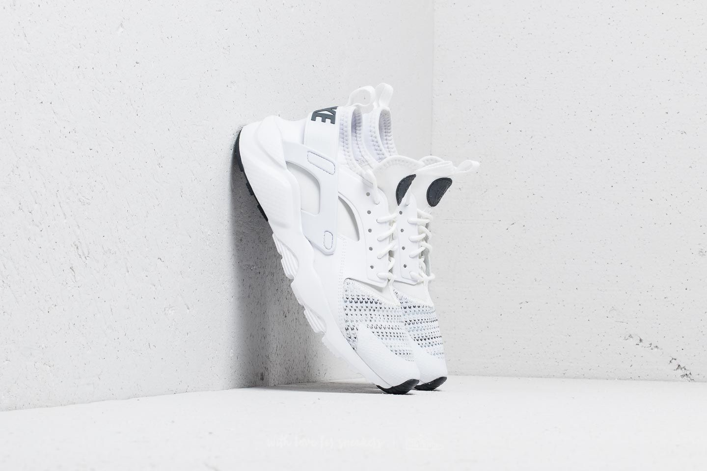 premium selection 2fa30 34220 Nike Air Huarache Run Ultra SE (GS). White  Anthracite-Cool Grey
