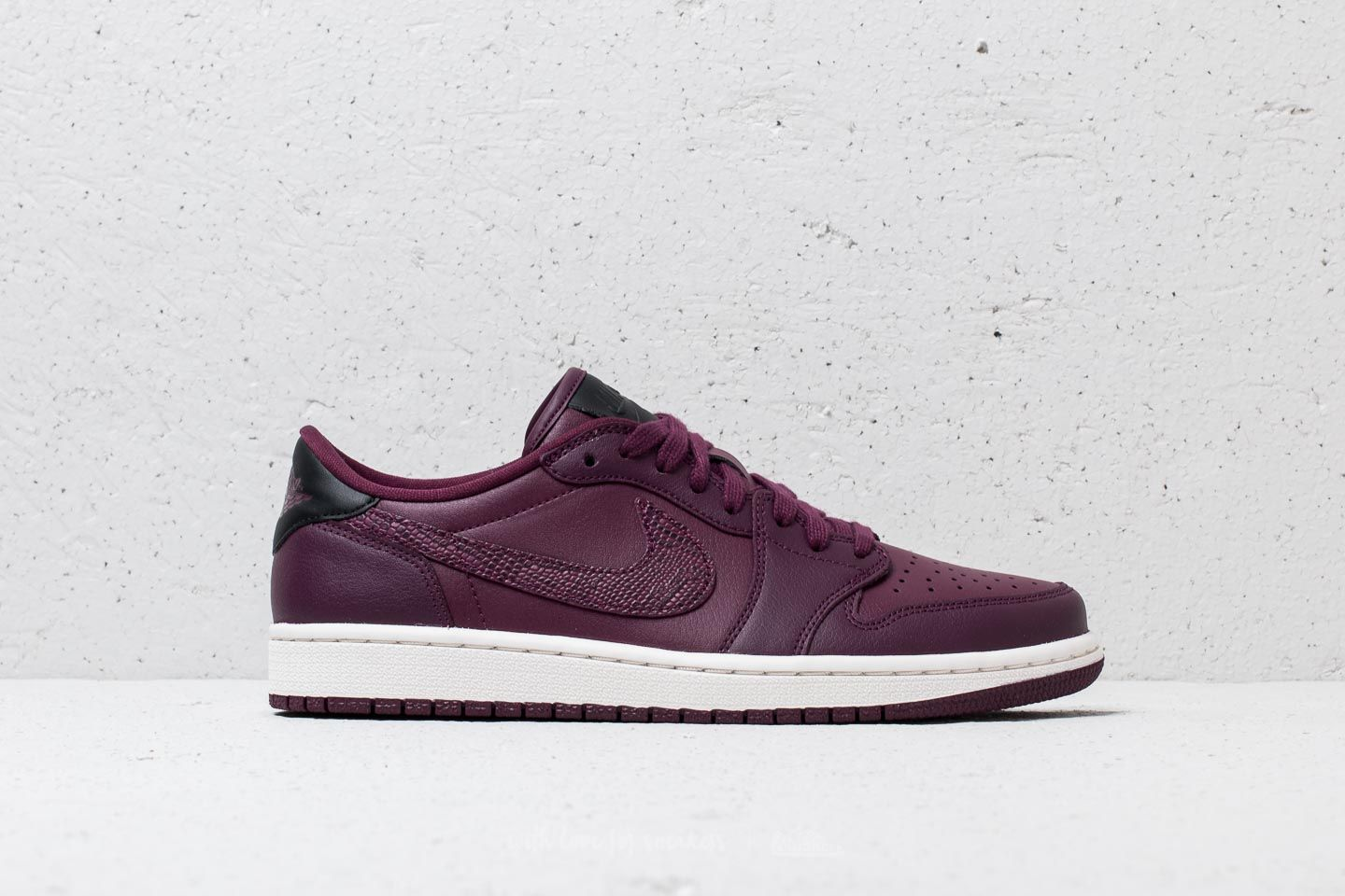 on sale fe497 06ced Wmns Air Jordan 1 Retro Low OG Bordeaux  Black-Phantom at a great price