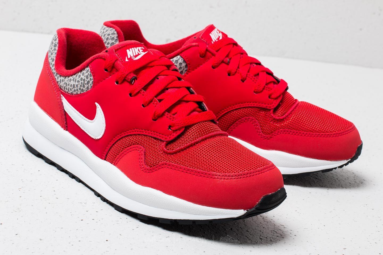 Nike Air Safari University Red  White-Black at a great price £86 buy 8d1fcc856