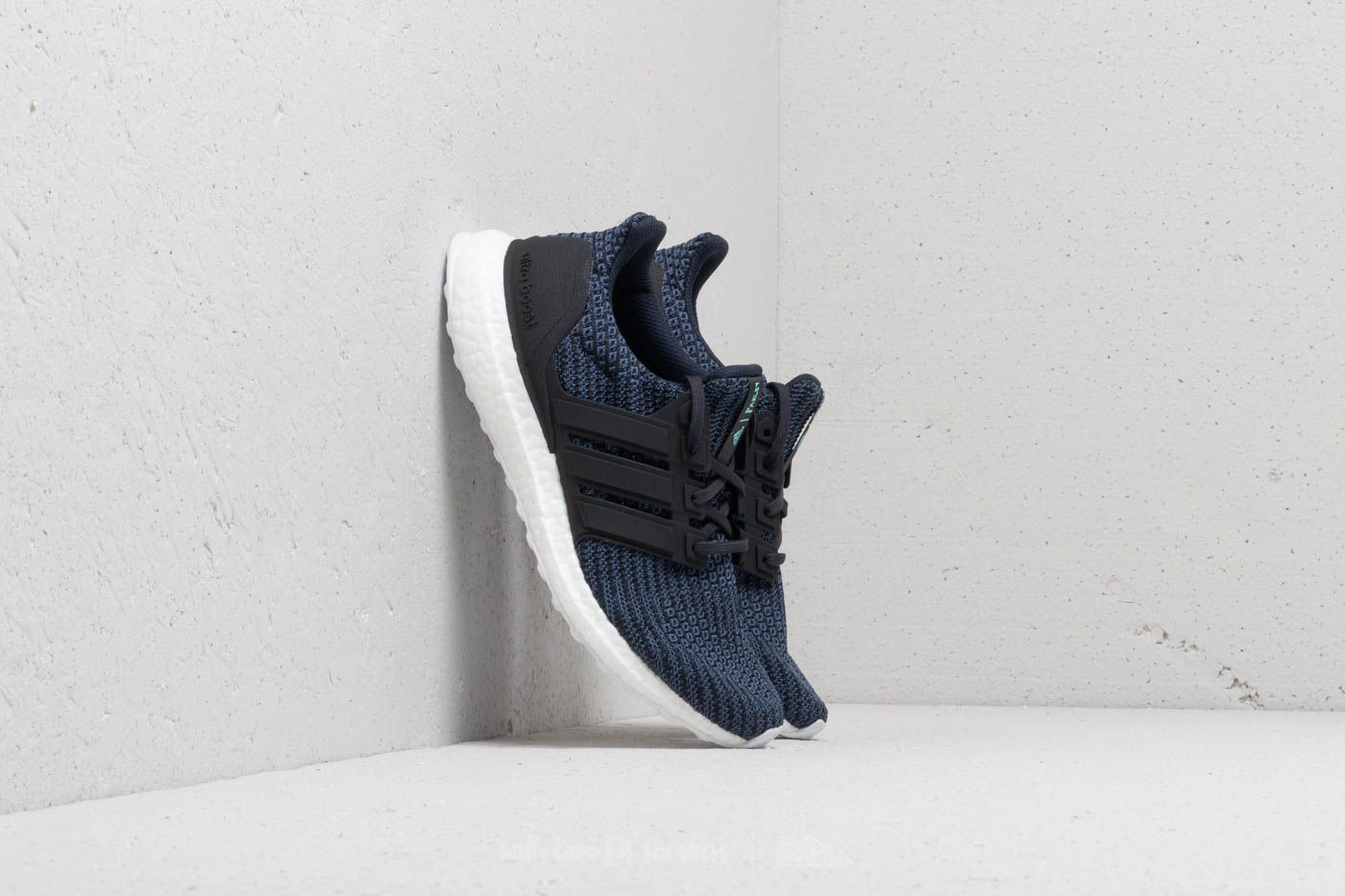 official photos 1682d f594e adidas UltraBOOST W Parley