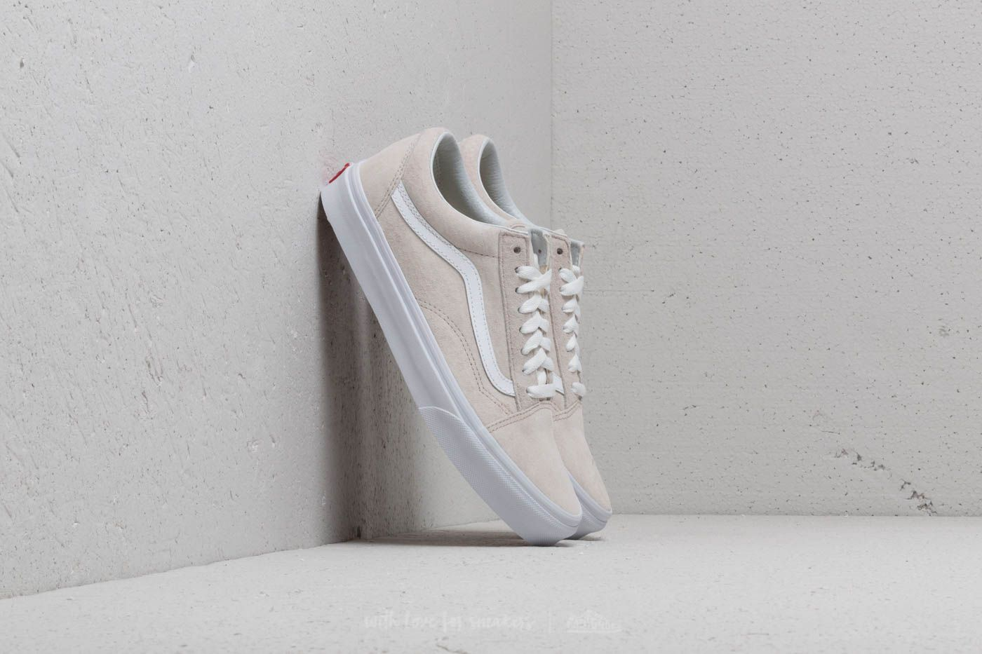 23fb20f3b5 Vans Old Skool (Pig Suede) Moonbeam  True White at a great price 91